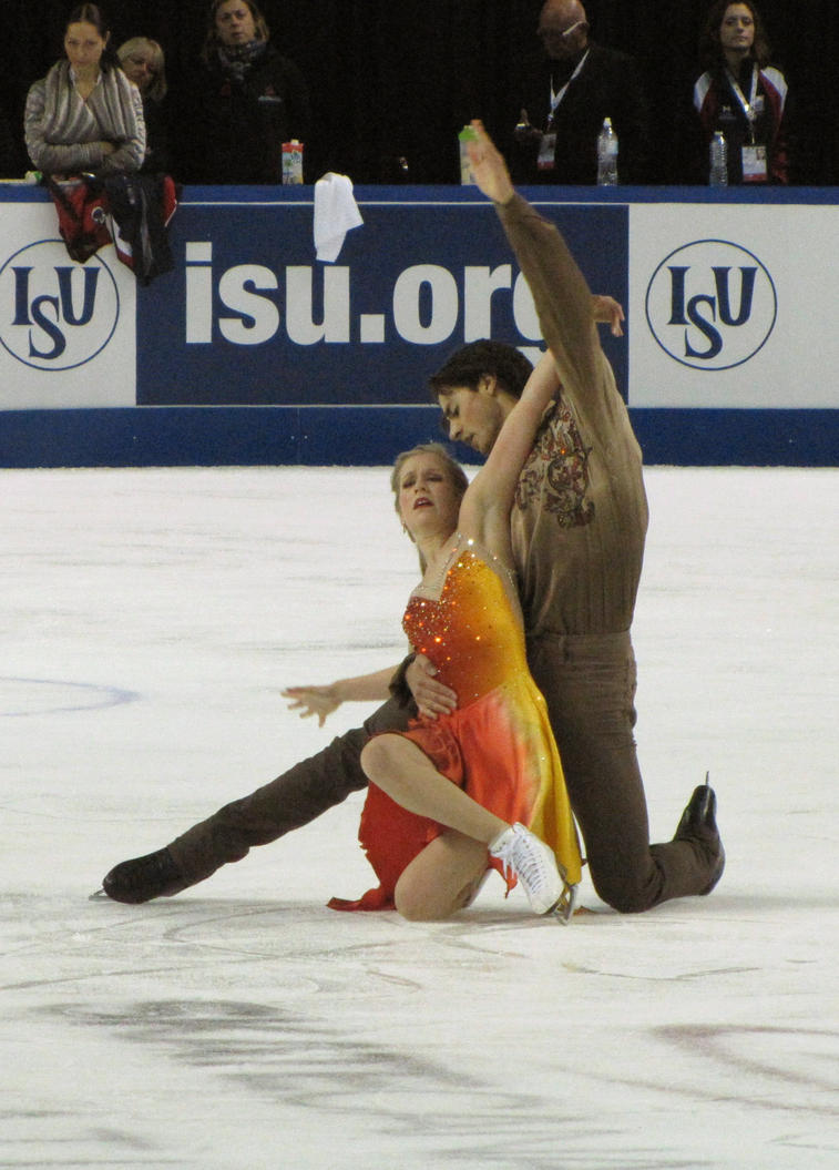 Kaitlyn Weaver and Andrew Poje by Katjakay