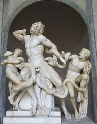 photo of laocoon and his sons by eszk