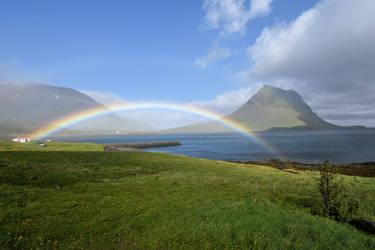 Kirkjufell rainbow by rwetzel