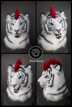 Lorcan white tiger mask