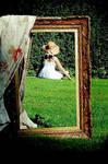Framed by Julie-de-Waroquier