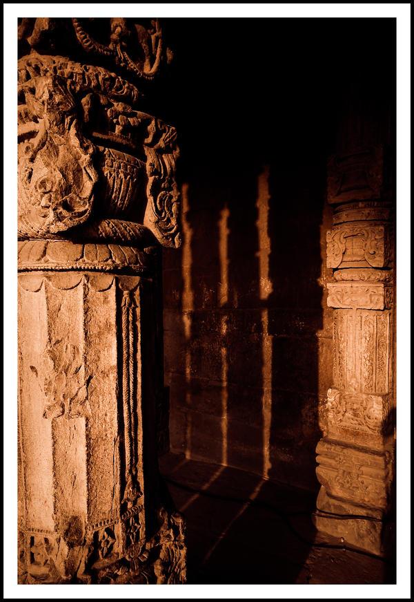 Columns II by sanwahi