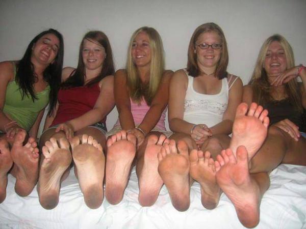 Big foot fucking