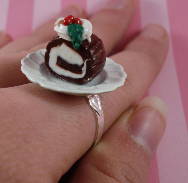 Christmas Log Cake Ring by FatallyFeminine