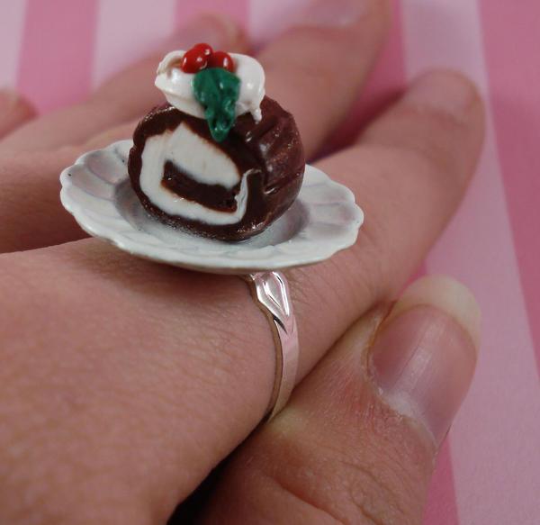 Christmas Log Cake Ring by FatallyFeminine