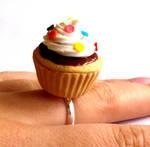 Big Kawaii Cupcake Ring