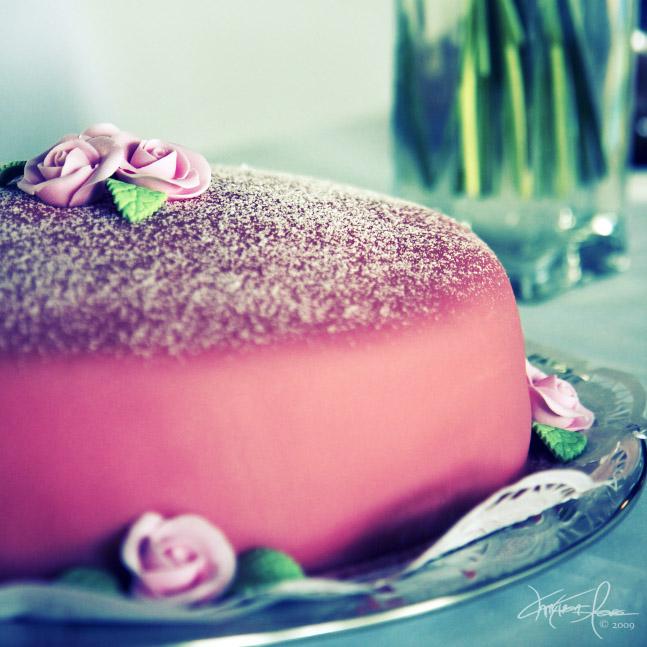 Cake for Princesses by Korpinkynsi