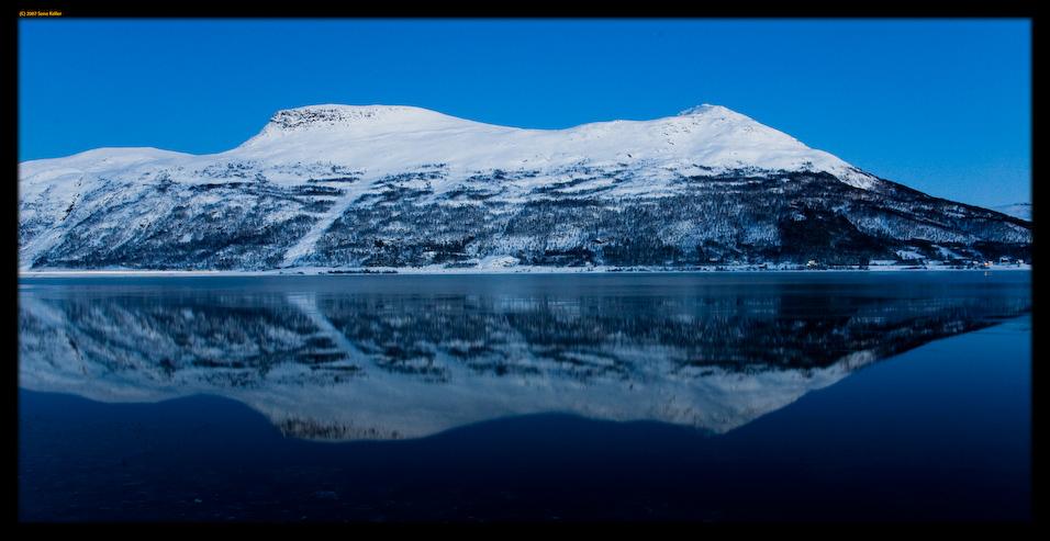 Dark, cold, blue symmetry by sirlatrom