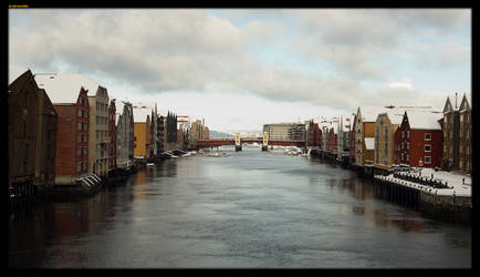 Trondheim canal by sirlatrom