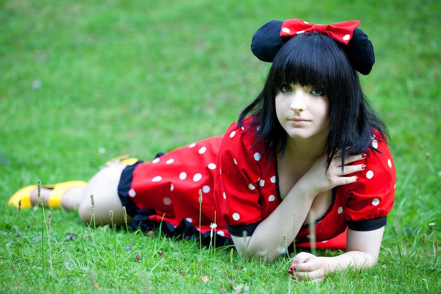 Minnie Mouse - III by JessicaUshiromiyaSan