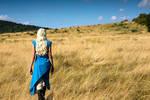 Daenerys walking