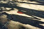 Shadows with red balloon by ingenierocuevas