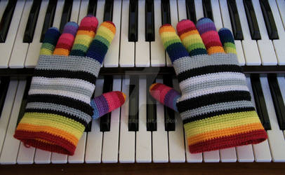 Rainbow gloves play WERSI