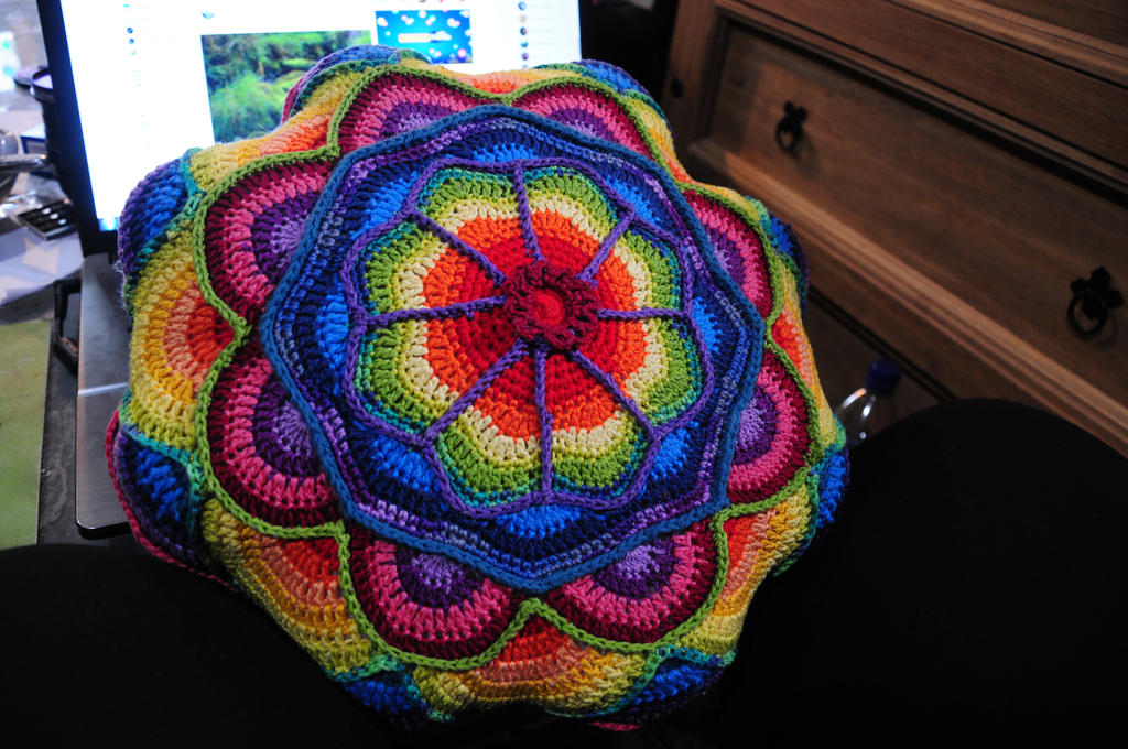 Crochet cushion by nimuae