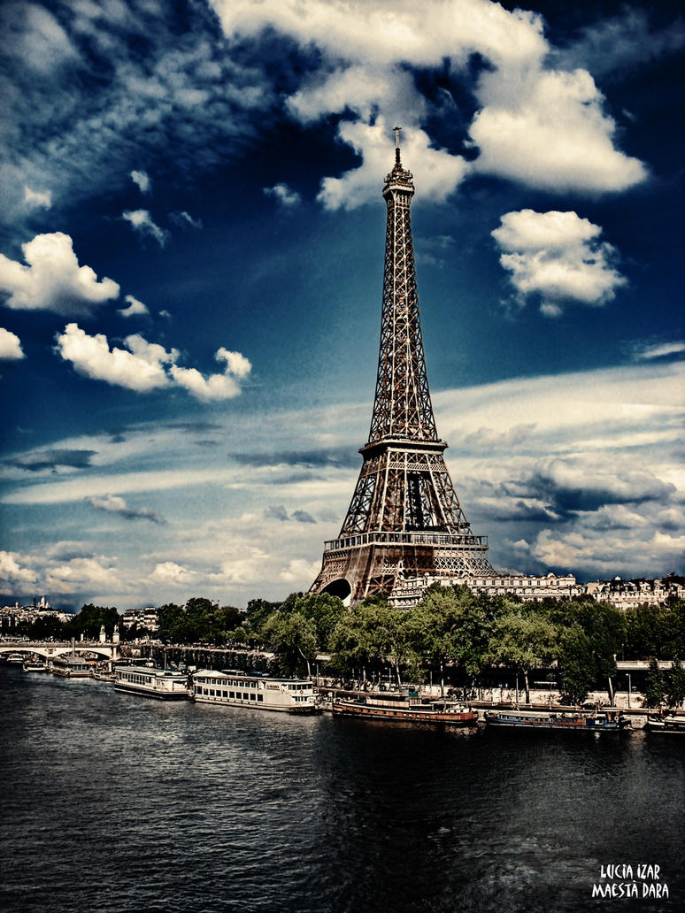 Eiffel Tower by Maesta-Dara