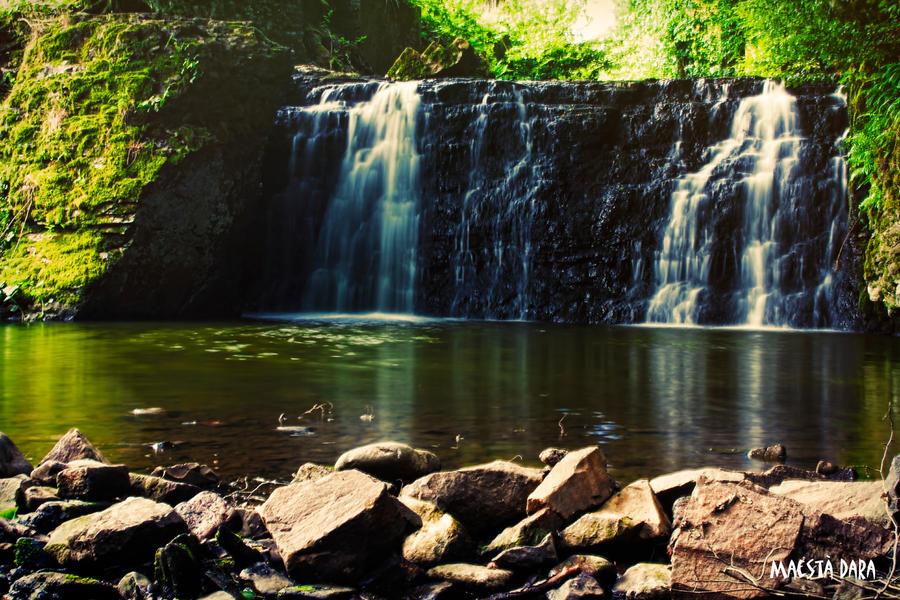 Waterfall of Anor by Maesta-Dara