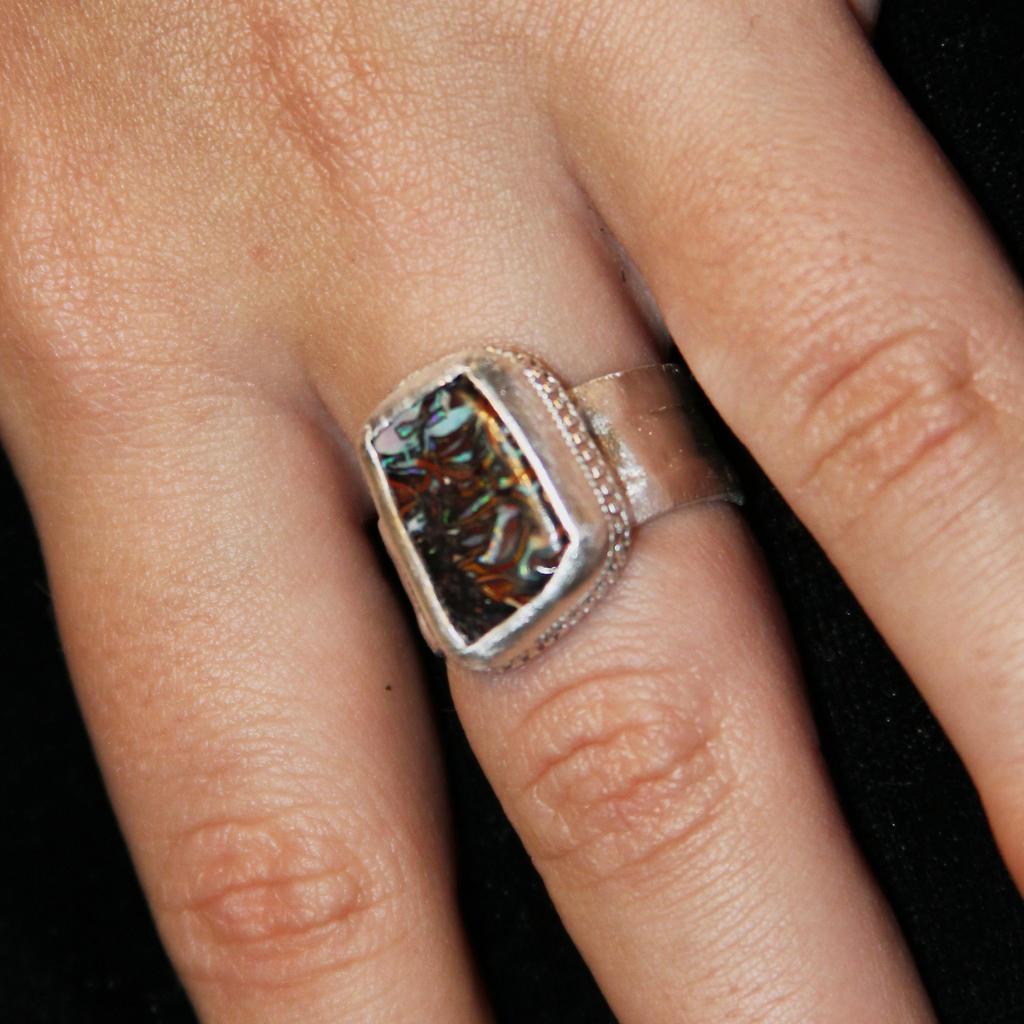 Freeform ring