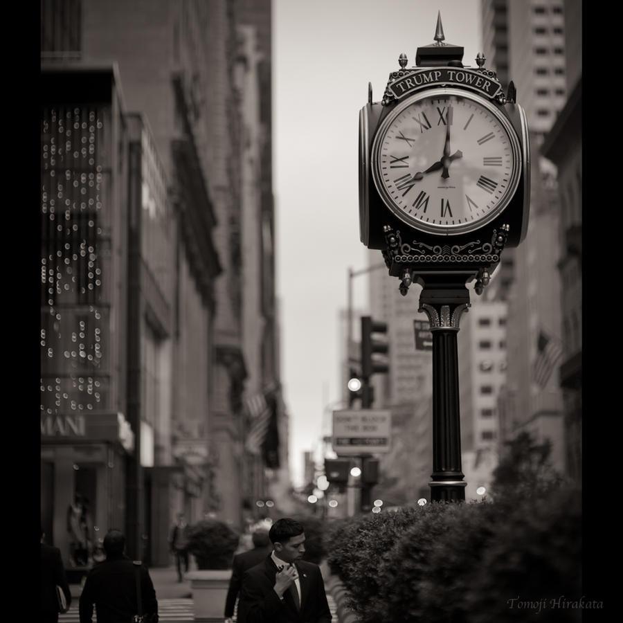 8:01 by Tomoji-ized