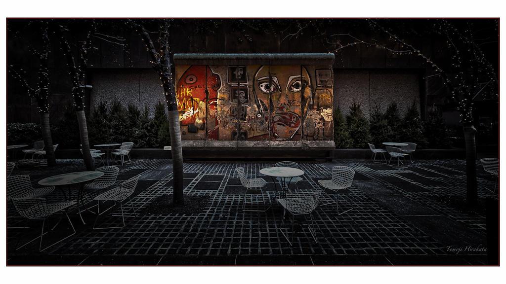 Berlin Wall in NYC by Tomoji-ized