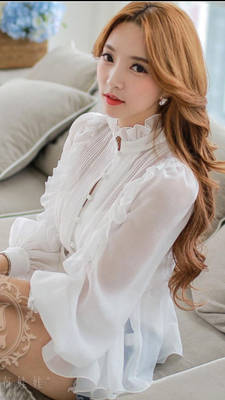 So stunning in her white lace blouse-0swb15a