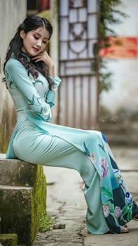Vietnemese_women....traditional_AoDai-0da19