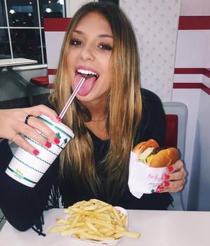 Hot_girls_fast_food-0hgff-014
