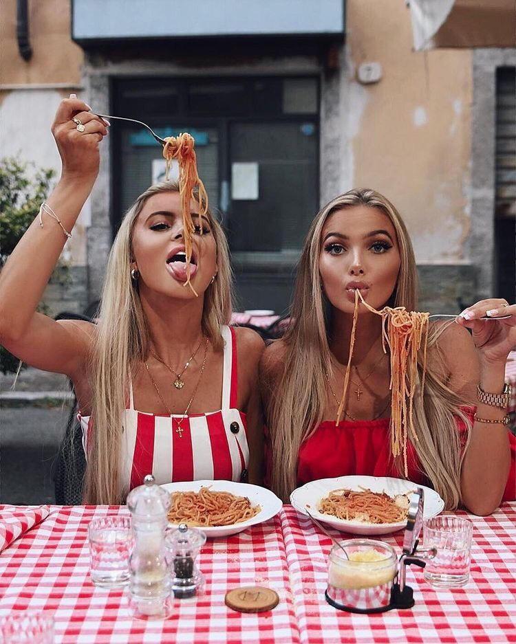 Hot girls...fast food-0hgff-032