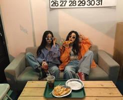 Hot_girls_fast_food-0hgff-038