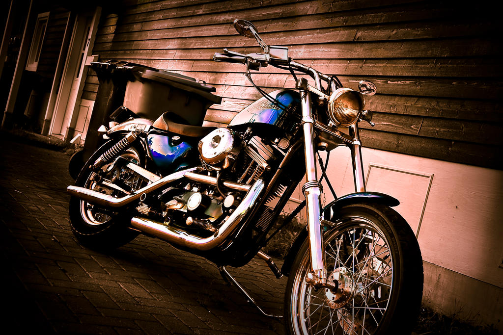 Harley Davidson - Final by Comelius
