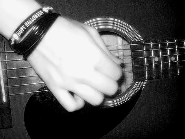 strum chat Ukuworld community ukulele q&a strumming patterns author posts march 22, 2017 at 15:31 #739 i'm not very good at strumming patterns any advice on how to get better.