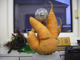 Carrot mutant hand by succubus6m