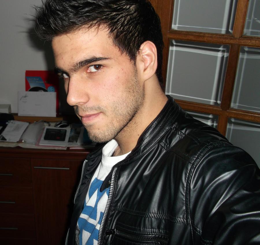 Eyhrz's Profile Picture