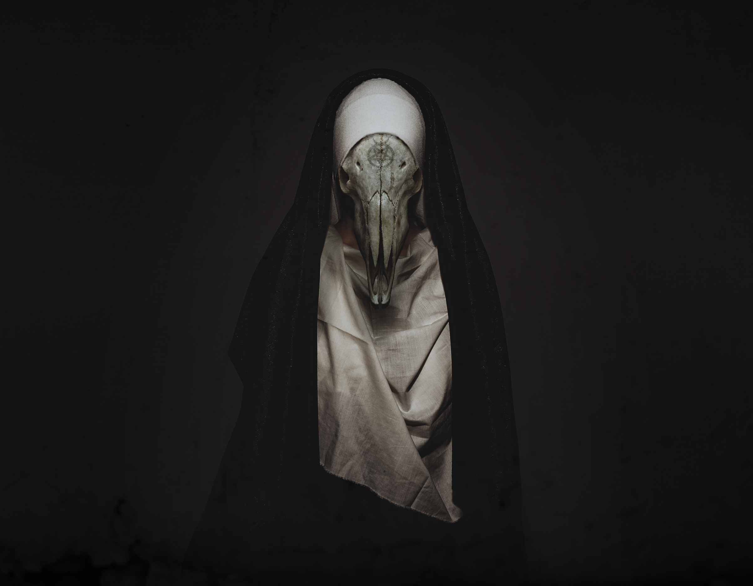 Nun by Vackertmorkt