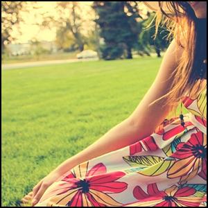 http://fc07.deviantart.com/fs44/f/2009/067/c/e/Missing_Summer_Avatar_by_sunkie.jpg