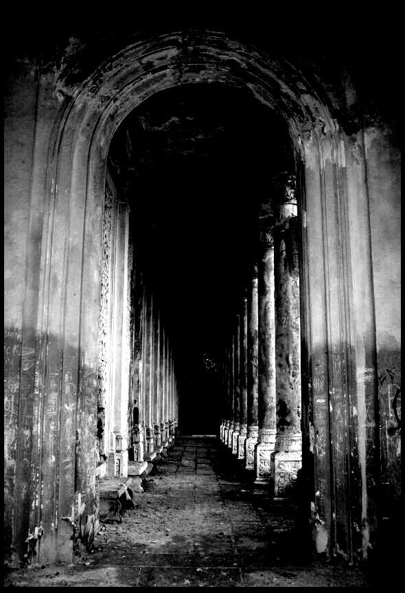 columns.. by schwarzeKatze18