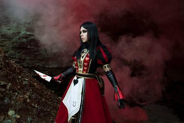 Alice:Madness Returns_Here comes the queen by SoranoSuzu