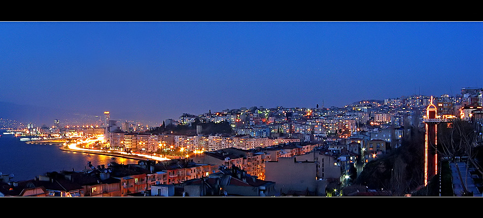 Asansor and Izmir by MehmetYasa