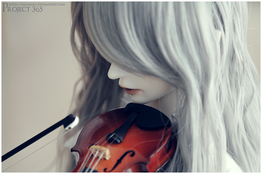 Day 7 - The Violinist by Valandill