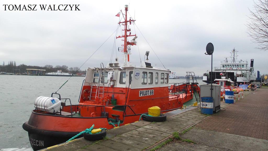 Polish pilot vessel 69 \ by roodbaard1958