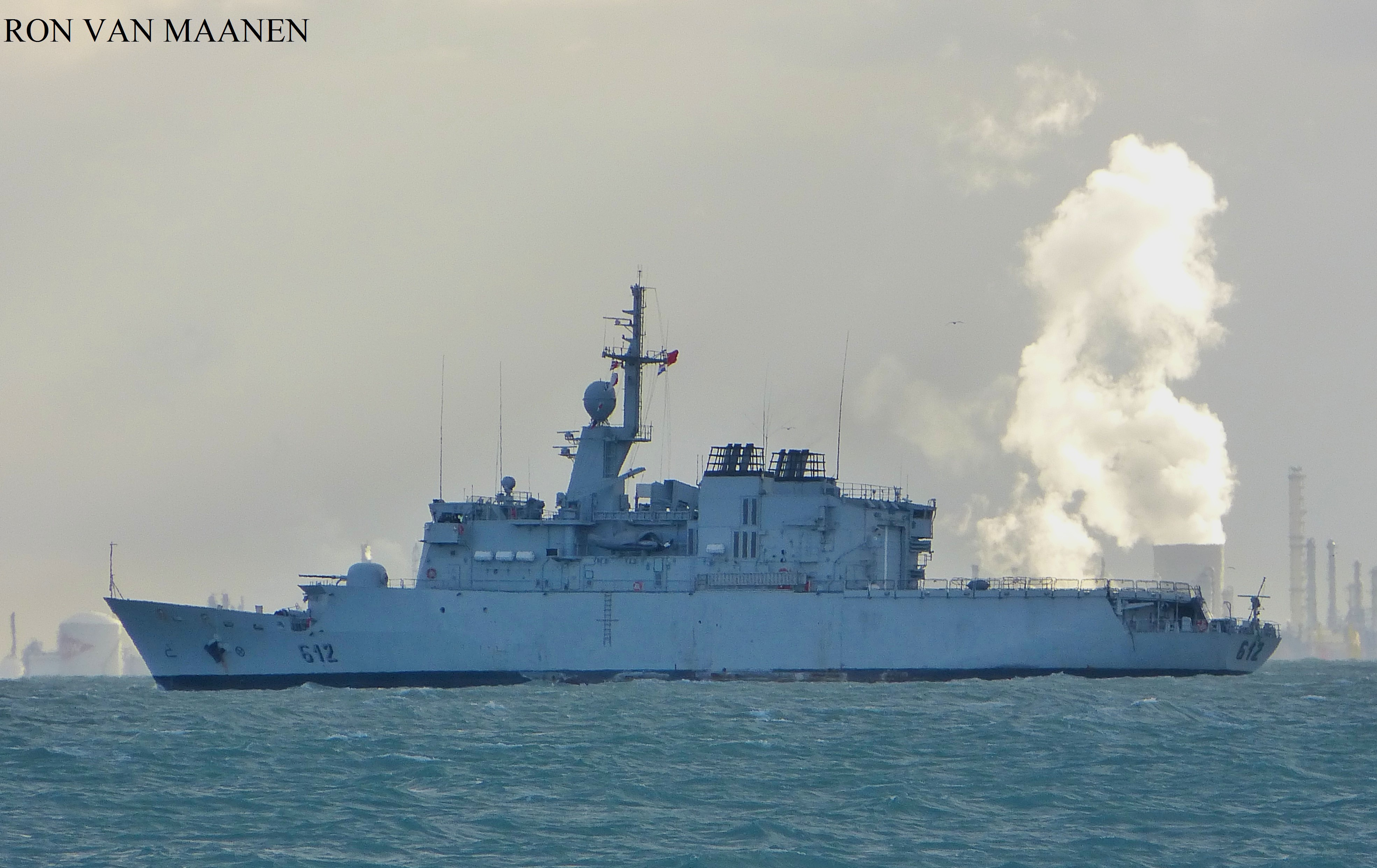Royal Moroccan Navy Floréal Frigates / Frégates Floréal Marocaines - Page 12 Moroccan_light_surveillance_frigate_hassan_ii_2001_by_roodbaard1958-dbtid5v