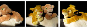 Disney Store - Simba And Nala Floppy Plushes