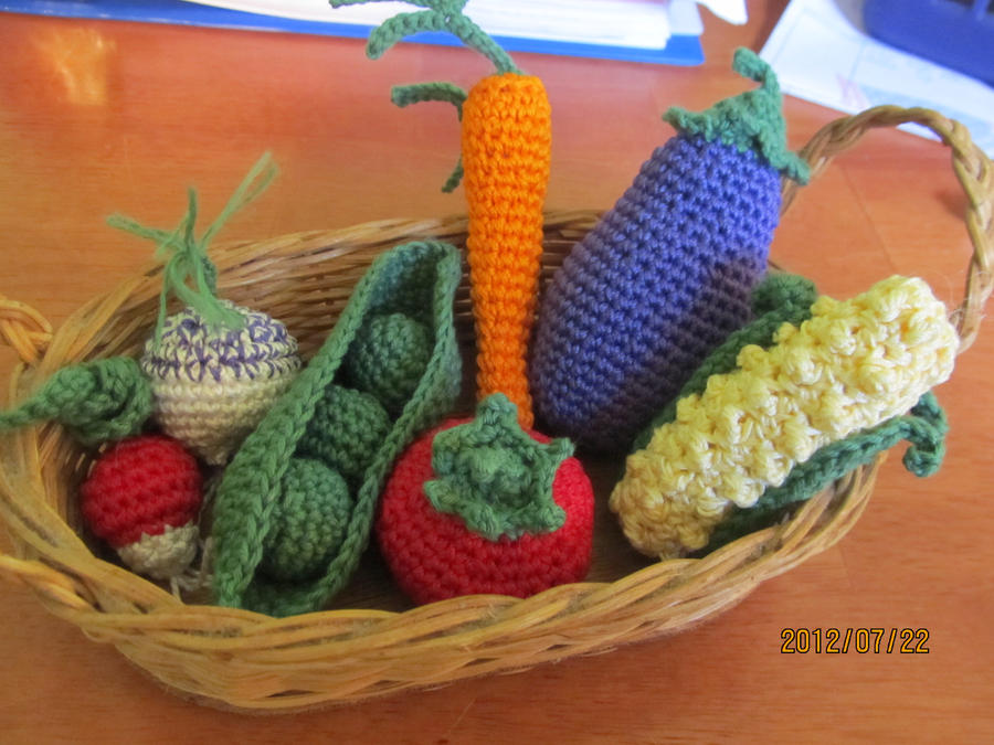 Crochet Patterns Vegetables Free : Crochet Vegetables by Tuloa on deviantART