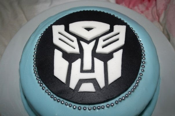 Transformers Cake by 99girls on DeviantArt