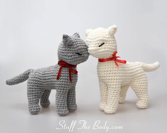 Playing Cat Amigurumi Free Crochet Pattern | 453x570