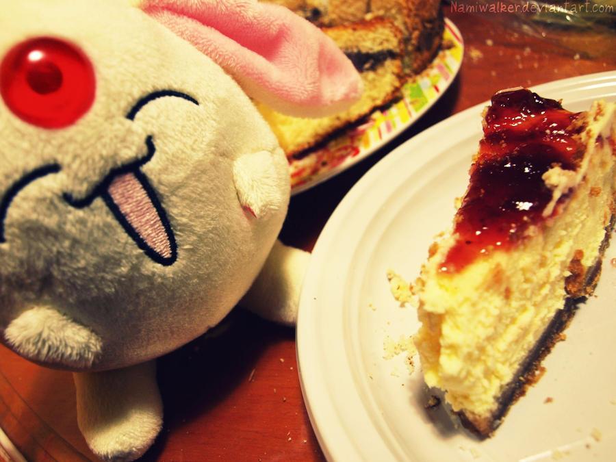 Mokona likes cheesecake by NamiWalker