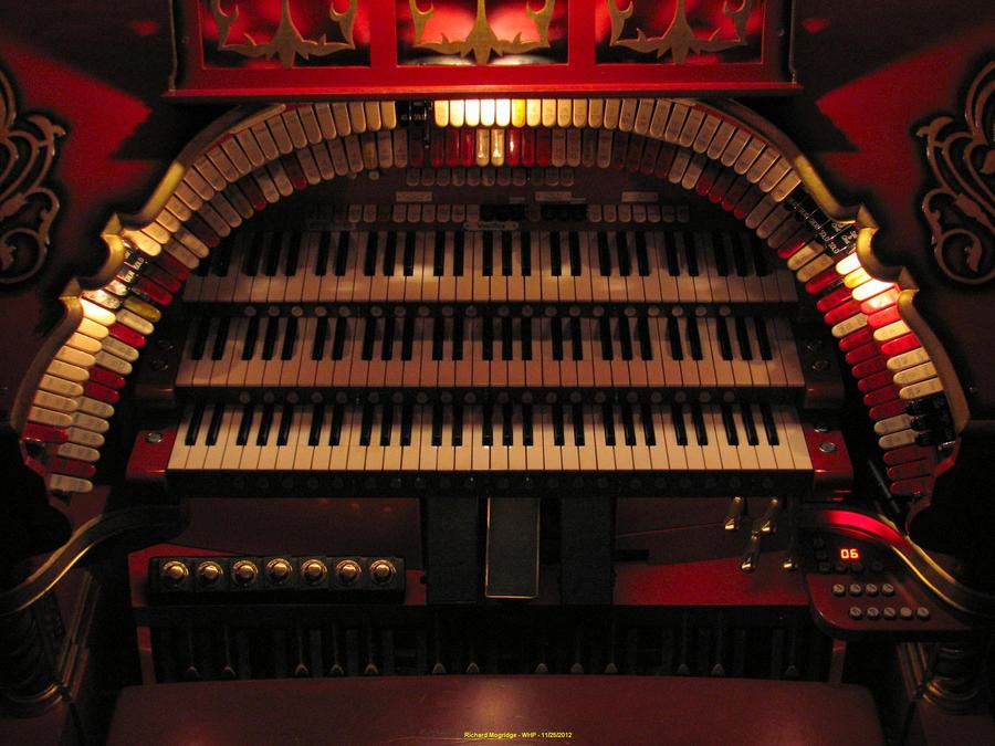 Tennessee Theatre 3/17 Mighty WurliTzer 1