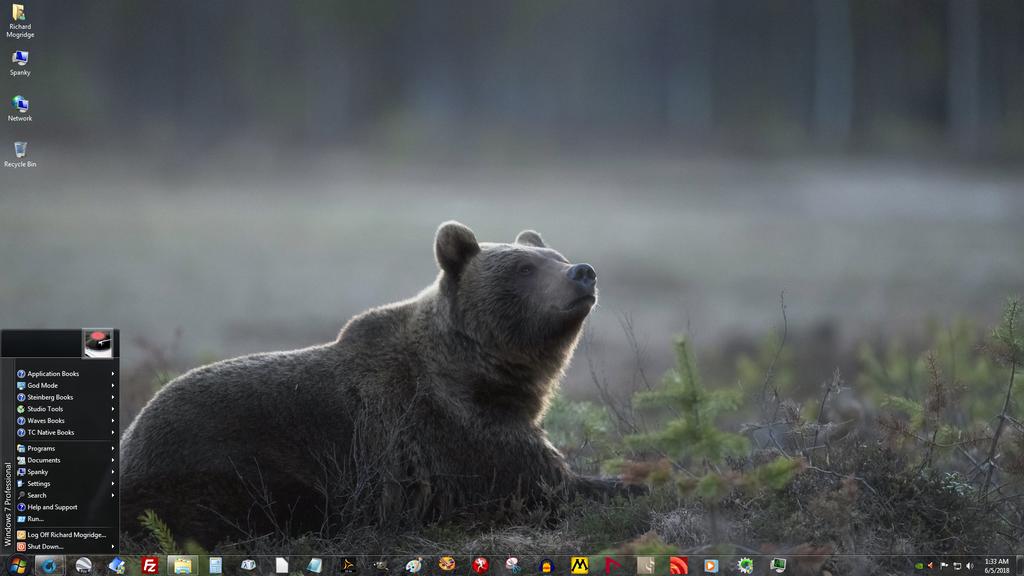 Windows 7 on Spanky - Ole Smokey Takes A Break by slowdog294