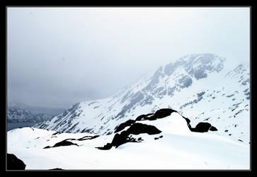 Peaks in the Mist by Snowyowl88