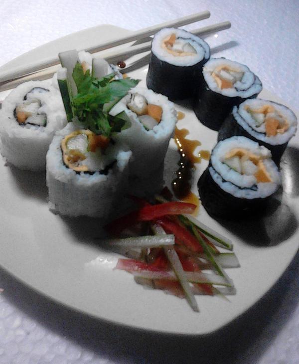Sushi \(=w=)/ by Adiaz-Airtif