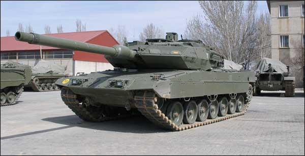 Leopard 2E spanish main battle tank (MBT). by FutureWGworker